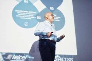 Mauricio Barragán García, director de Mercadotecnia y Comunicación, Global Hitts